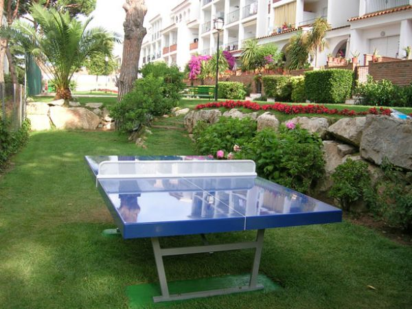 mesa ping pong antivandalica jardin comunitario